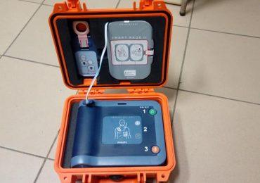 Niesamowity prezent - Defibrylator