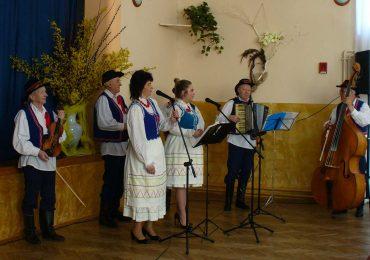 Wiosenny Festyn Białobrzeski i spektakl Mariusza Marczyka