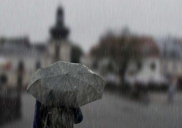 Intensywne opady deszczu - zalane domy i ulice