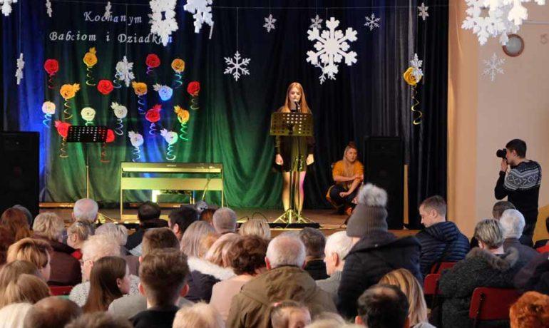 Koncert uczniów Zajdel Studio z okazji Dnia Babci i Dziadka