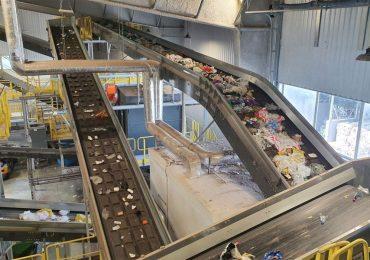Uruchomiono mechaniczną sortownię odpadów